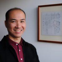 Profesor Mauro Nakamura, gerente de Itiman y profesor de Budismo